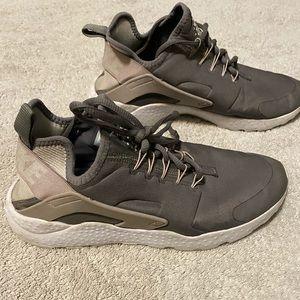 Nike Huaraches! 🔥